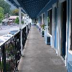 Photo de Dunsmuir Inn & Suites Hotel