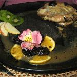 chicken breast stuffed with grapes in champagne sauce- Quilombo Banos