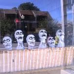 Happy skulls in the window
