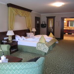  Grand Deluxe Suite