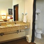 Foto de BEST WESTERN Golden Spike Inn & Suites
