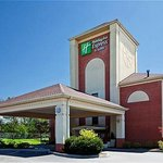 Holiday Inn Express Suites Milford