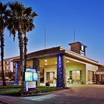 Holiday Inn Express Hotel &amp; Suites Corning