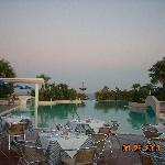 Photo de Mitsis Rhodos Village Beach Hotel