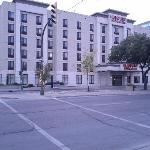 Humphry Inn & Suites Winnipeg resmi