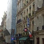 Photo de Eden Hotel Rue J.B. Pigalle