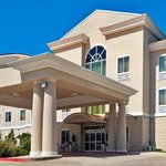 ‪Holiday Inn Express - Hotel & Suites‬