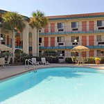 Howard Johnson Inn and Suites Jacksonville