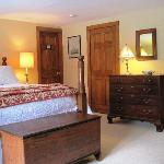 Ryder Room-Queen Bed-Private Bath $160./night