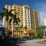Photo of Hampton Inn & Suites - Miami Airport / Blue Lagoon