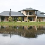 ‪Stanford River Lodge‬