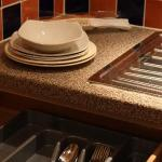 Enough plates and cutlery for 2 - Castle Suite