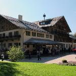 Photo de Schlosshotel Linderhof