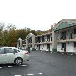 Photo de Days Inn Lenox