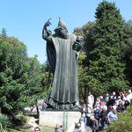 Grgur Ninski Statue
