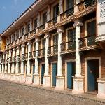 Las Casas Filipinas de Acuzar