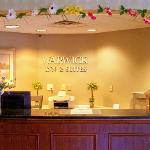 Photo de Warwick Inn & Suites