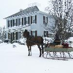 Sleigh in front of The Artist's Inn