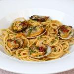 """""""Maestro"""" style spaghetti with clams and salted mullet roe"""
