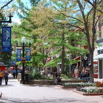 Boulder's Historic Pearl Street Mall