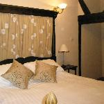 Tudor House Hotel and Restaurant resmi