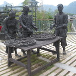 statues on tea making