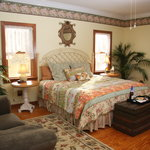  Sunshine Daydreams Guest Room