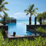Shangri-La&#39;S Boracay Resort &amp; Spa