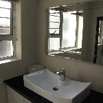 Room 6 Bathroom