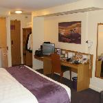 Photo de Premier Inn Romford West