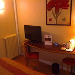  Room 157 desk with TV