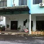  hotel main entrance
