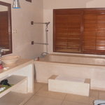  1Br Villa bathroom that caters for 2ppl in the bathtub!