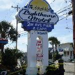  The old Lighthouse Motel sign