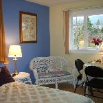 The bright Mountainview room