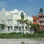 Beach mansions... the white one has a telescope!