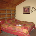  Comfy bed/Western decor