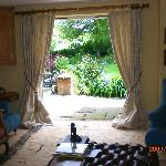  guest sitting room to garden