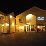 Cocca's Inns & Suites Albany Airport