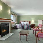 Φωτογραφία: Days Inn and Suites - Des Moines Airport