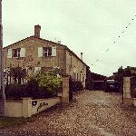 ภาพถ่ายของ Bed & Breakfast Cabadentra Saint-Emilion