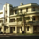  Renmark Hotel
