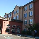 Photo de Phoenix Inn Suites Eugene