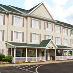 ‪Coshocton Village Inn & Suites‬