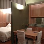Camperio House Suites & Apartments resmi
