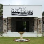 Photo of Hotel Refugio de Montana