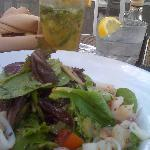  E na Ocean Drive, vizinha, uma tima salada de frutos do mar