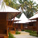 Maia's Beach Resort resmi