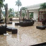 San Salvador Crowne Plaza outdoor lounge