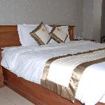 King size bed. Even SULTAIN size! :-)